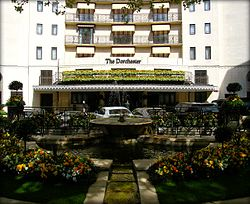 The_Dorchester_Hotel_in_London_Mayfair,_England_United_Kingdom_(4579989922)